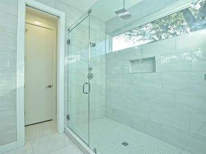 042_Master+Bathroom+Unit+B+2.jpg