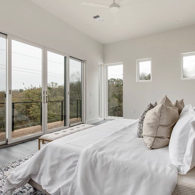 Who wouldn't want to wake up to a view like this? 😍🌳🌳Now available: 6603 Knollwood  Cove in highly desirable #northwesthills in #atx. More details in bio link. . . . #forsale #realty #realtor #home #homesweethome #austin #austintx #luxuryhomes #view #bedroom #design #modern #newconstruction