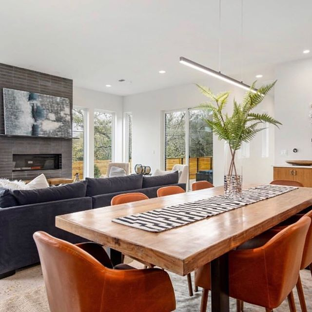 The weekend = the 3 Fs. Family, Friends and Football; can't wait!  Past project in #northwesthills #austin . . . #weekend #family #friends #football #modern #midcenturymodern #home #house #homesweethome #openfloorplan #atx #austintexas #luxuryhomes