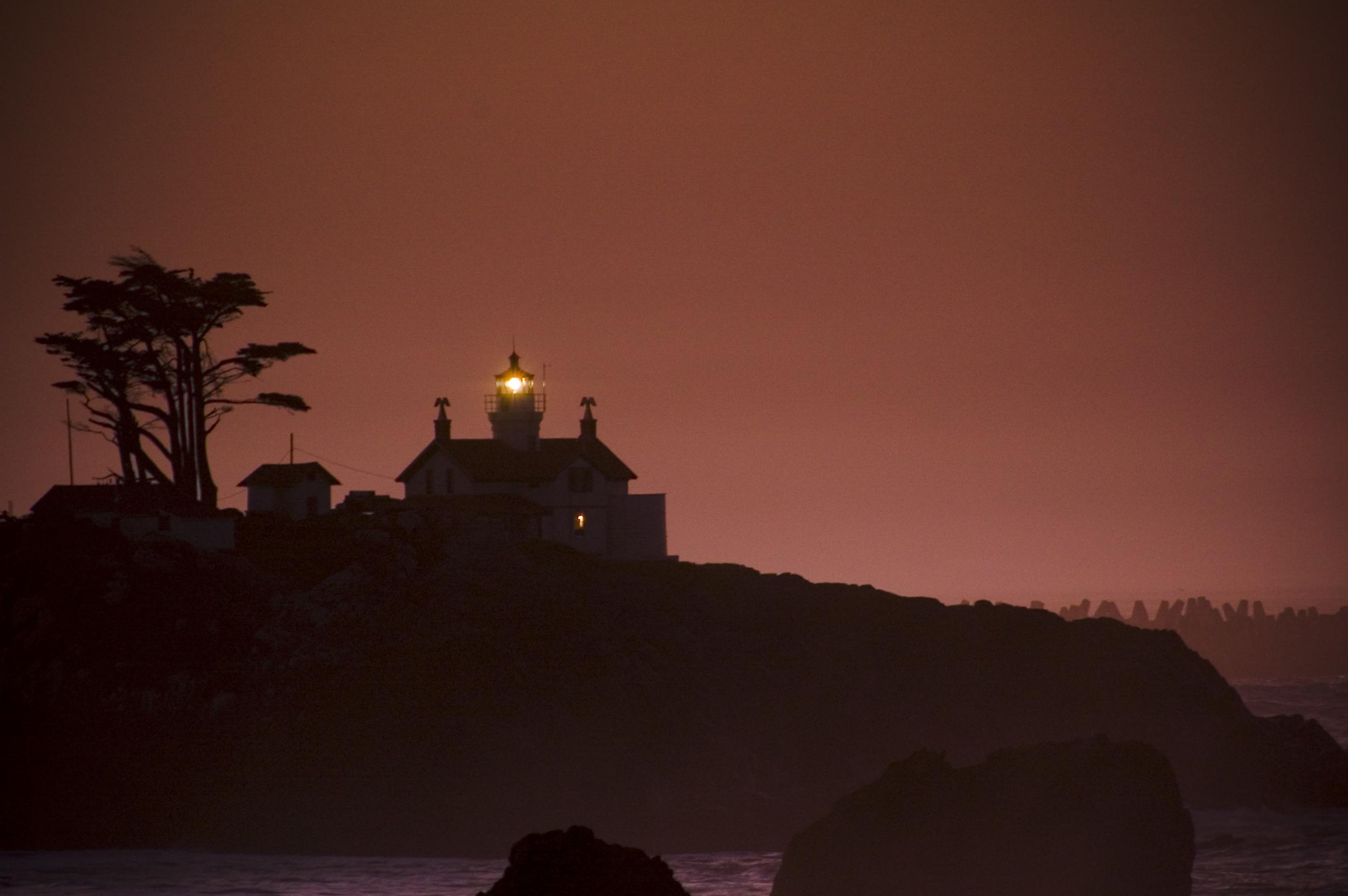 lighthouserise.JPG