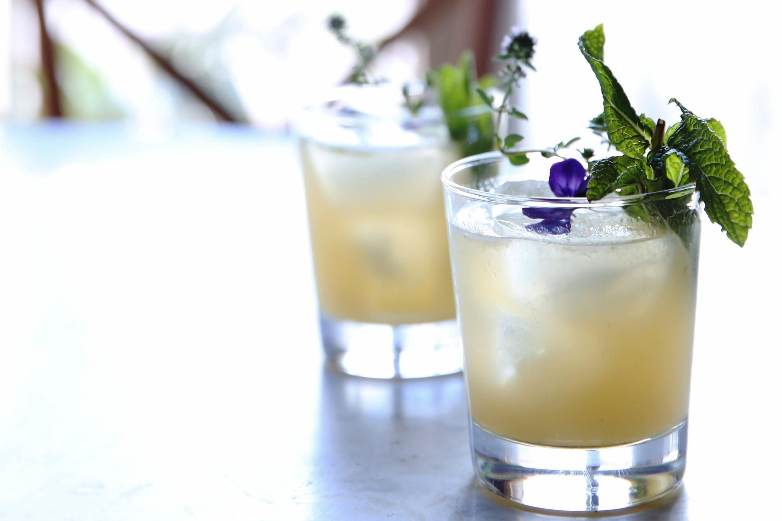 DRINKS & COCKTAILS -