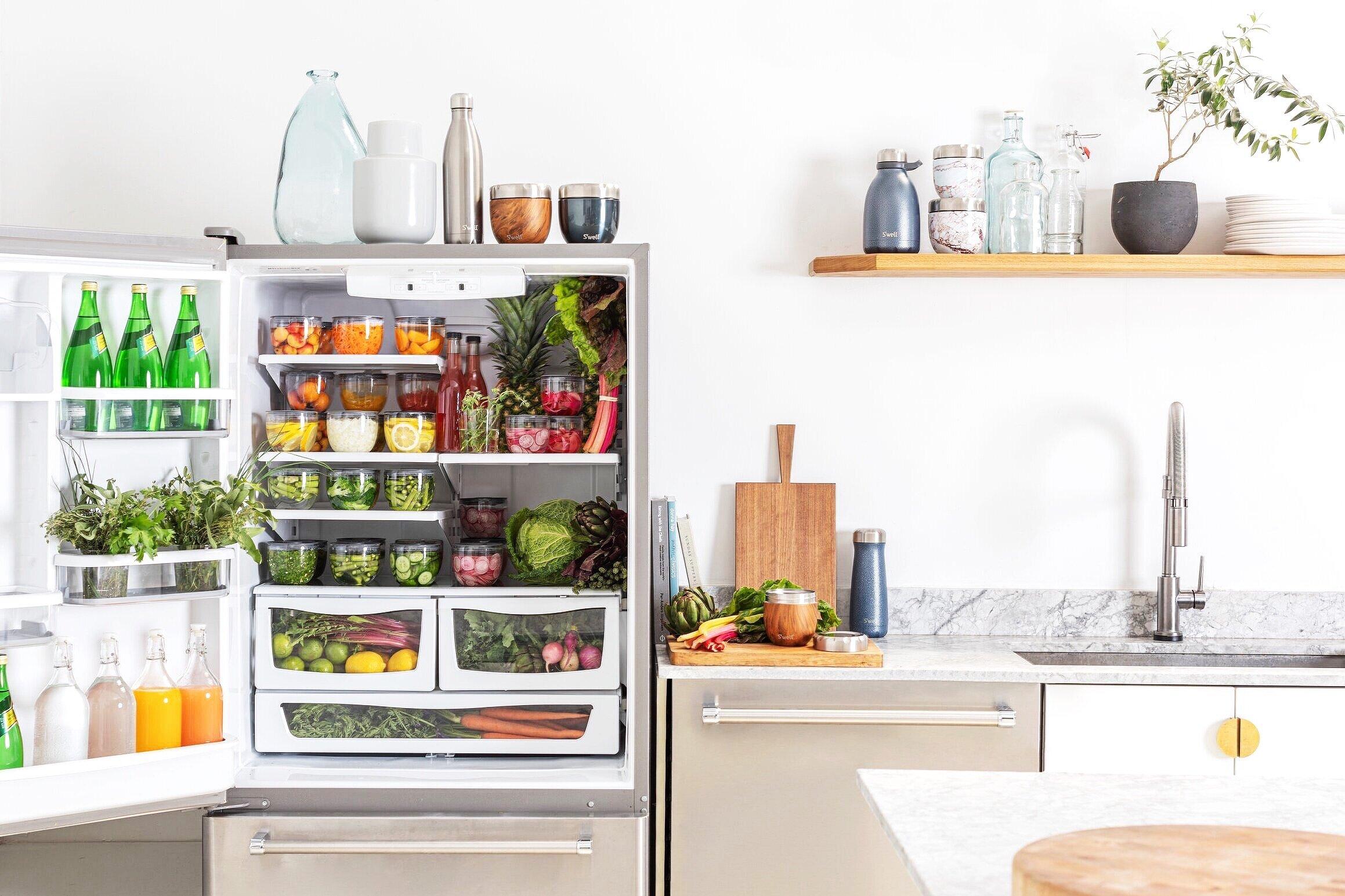S%27well+Eats+Heathy+Refrigerator+Snacks.jpg