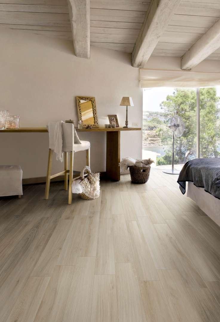Laguna-Wood-Look-Floor-Wall-Tile-Scene-12.jpg