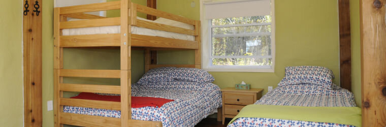 Strawbale-Cabin-Interior-760x250.jpg