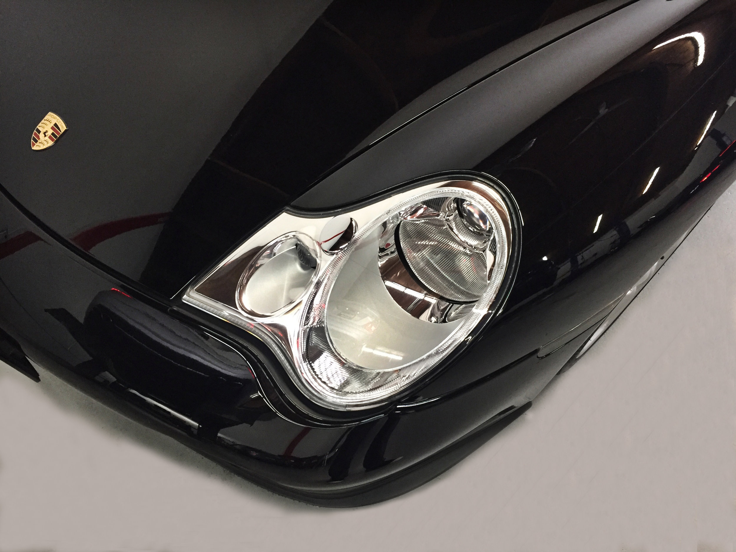 Botta Moto Works Porsche 996 Turbo Cab headlight.jpg