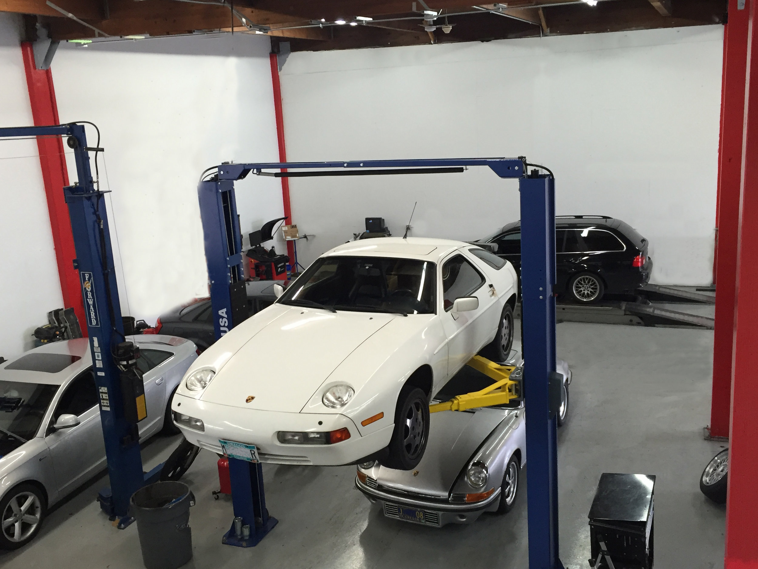 Botta Moto Works Portland Oregon Porsche.jpg