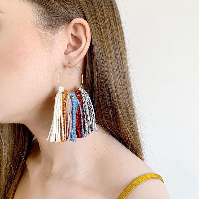 S A T U R D A Y 🌻 Hoop tassel made in linen, recycle linen and organic cotton ✨ #ewjewellerydesign