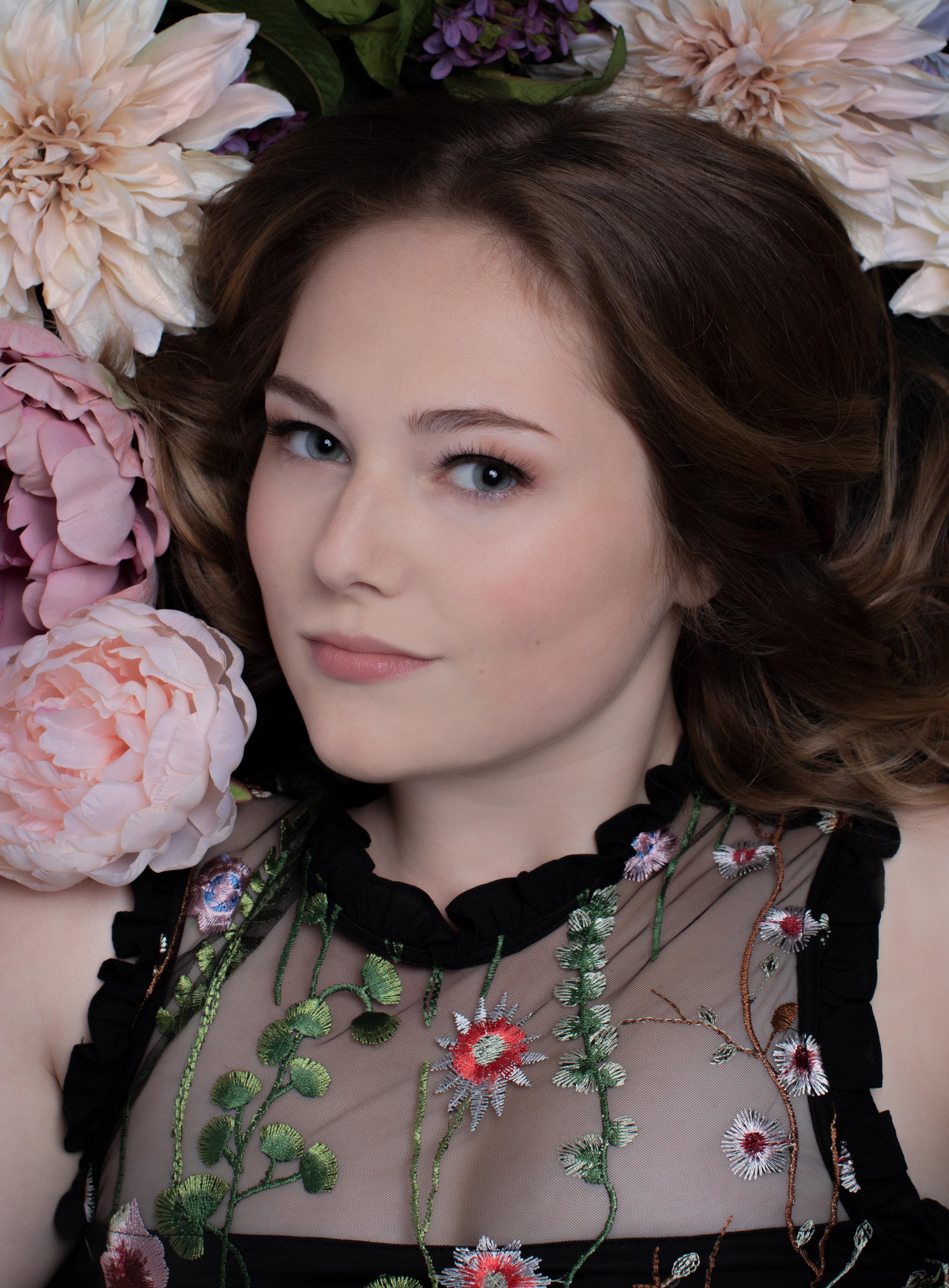 kathleen-barber-photography-senior-flowers