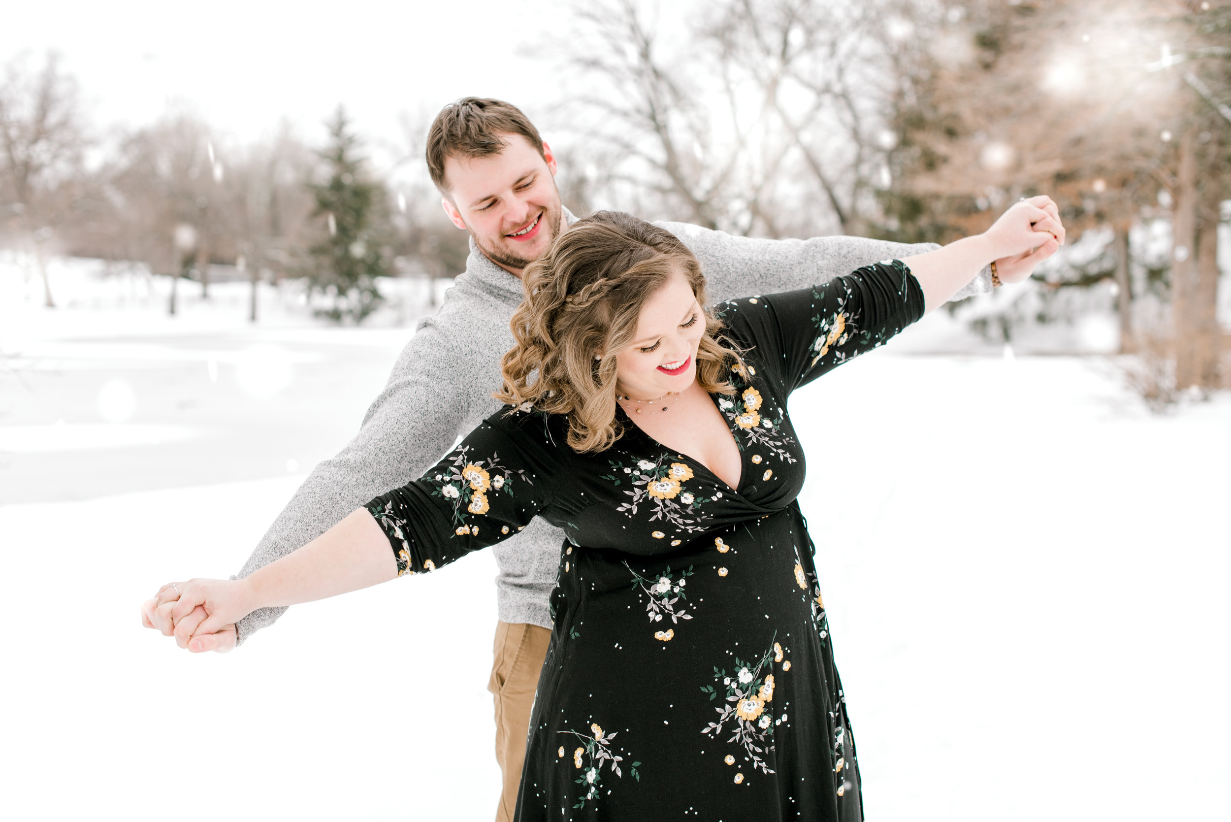 1march2019-roger-williams-park-snow-engagement-session-8.jpg