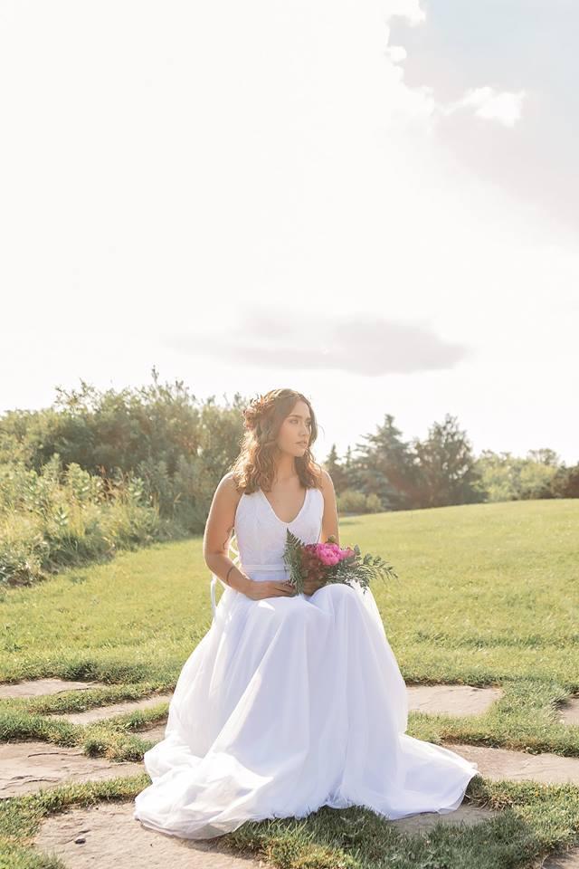 Photography Credit: Becca Howland Photography. Model/Hair/MUA: Amy Chevellard. Venu: La Tourelle Resort and Spa. Floral: Layne Dann.