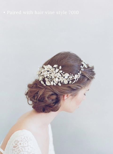 7011b2-flower-crystal-bridal-hair-comb-twigs-and-honey-PAIRED_480x.progressive.jpg