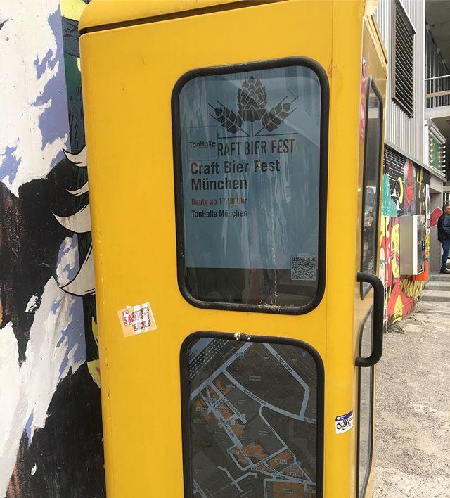 Sogar die Telefonzellen machen Werbung für uns! #craftbeer #muenchen #cbfm #craftbier #cbfm2019