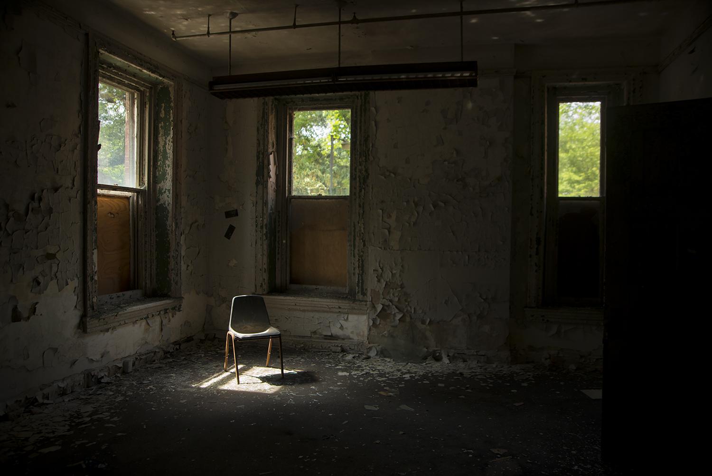 chairweb.jpg