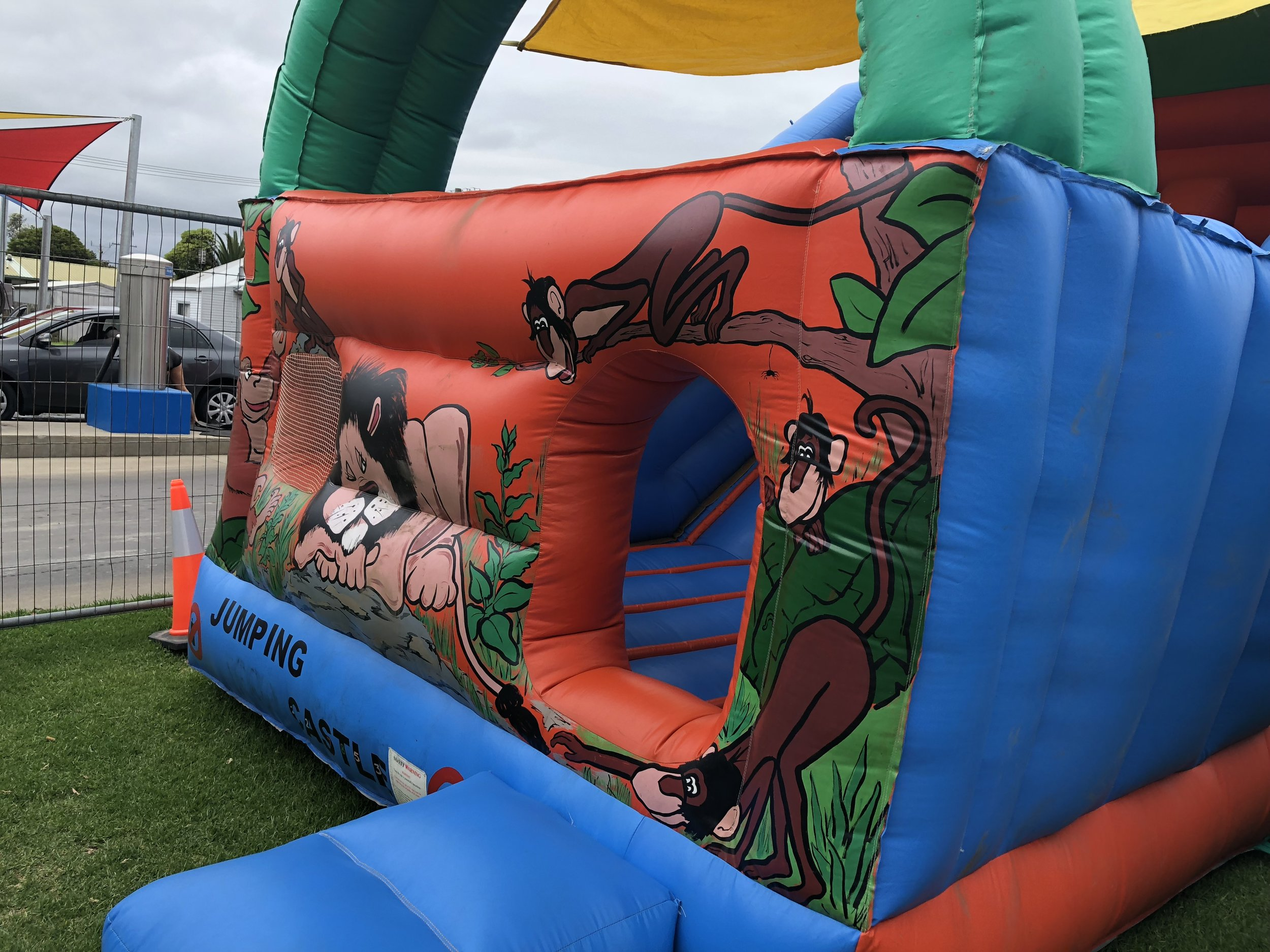Combo Slide - This Castle has a small Jumping area with a rope ladder to climb and then a slide to bounce down.For prices please contact us with your event location and details and we will send back a quote.Combo can be hired for self use at you event or with an operator.