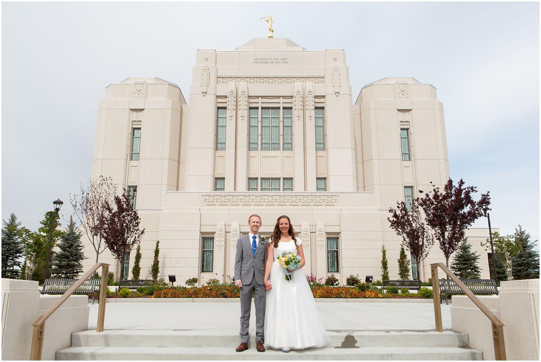 Wedding Photography_Meridian Idaho Temple_Boise Idaho_Spring_Tulips_Leah Southwick Photography_0007.jpg