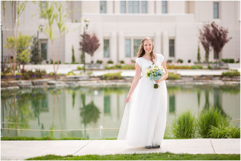 Wedding Photography_Meridian Idaho Temple_Boise Idaho_Spring_Tulips_Leah Southwick Photography_0012.jpg