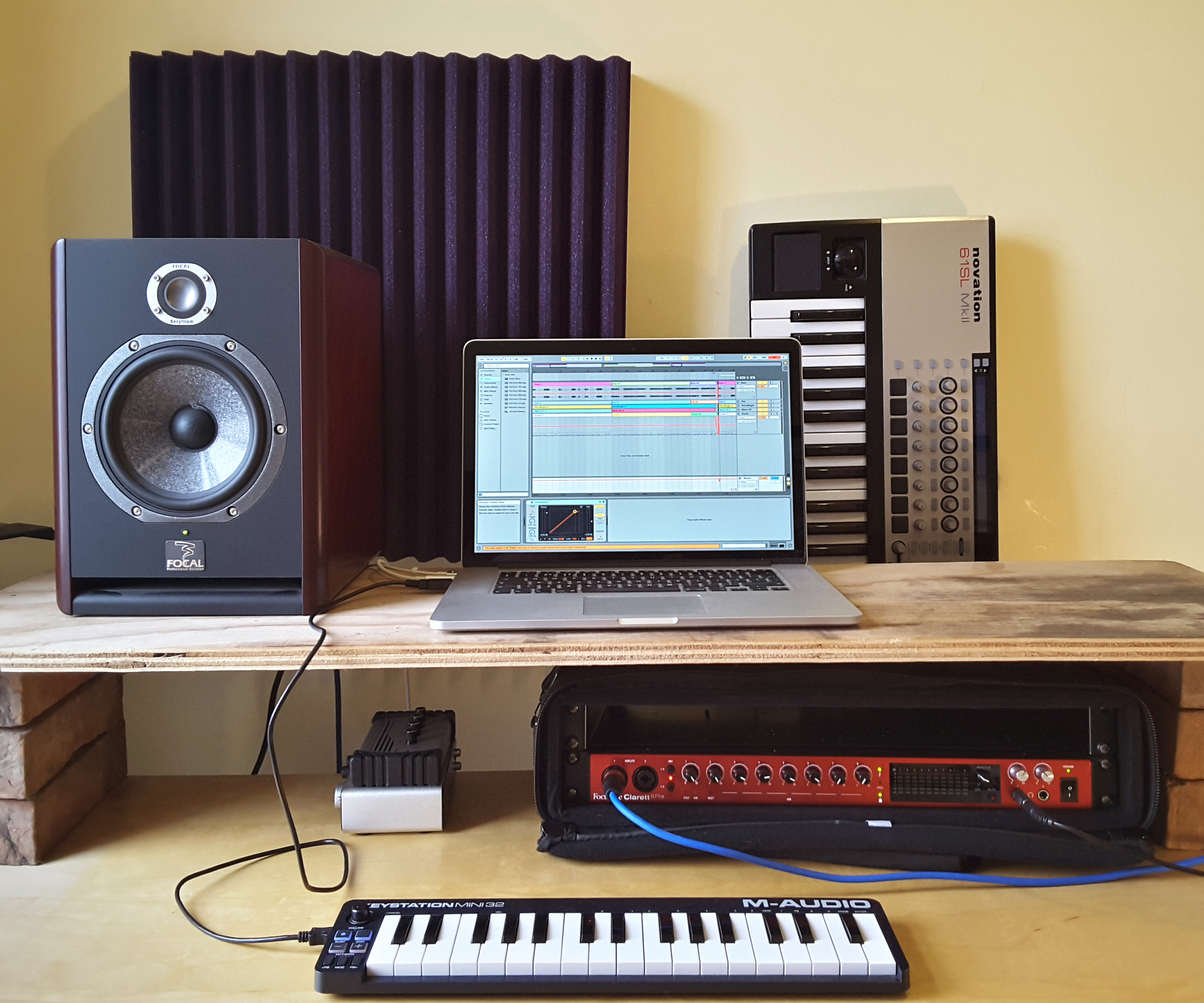 Create, finish & perform music with Ableton Live    Writing, recording, sequencing, mixing and mastering using the industry-leading Ableton Live software, with the producer, songwriter and engineer Sie Medway-Smith.