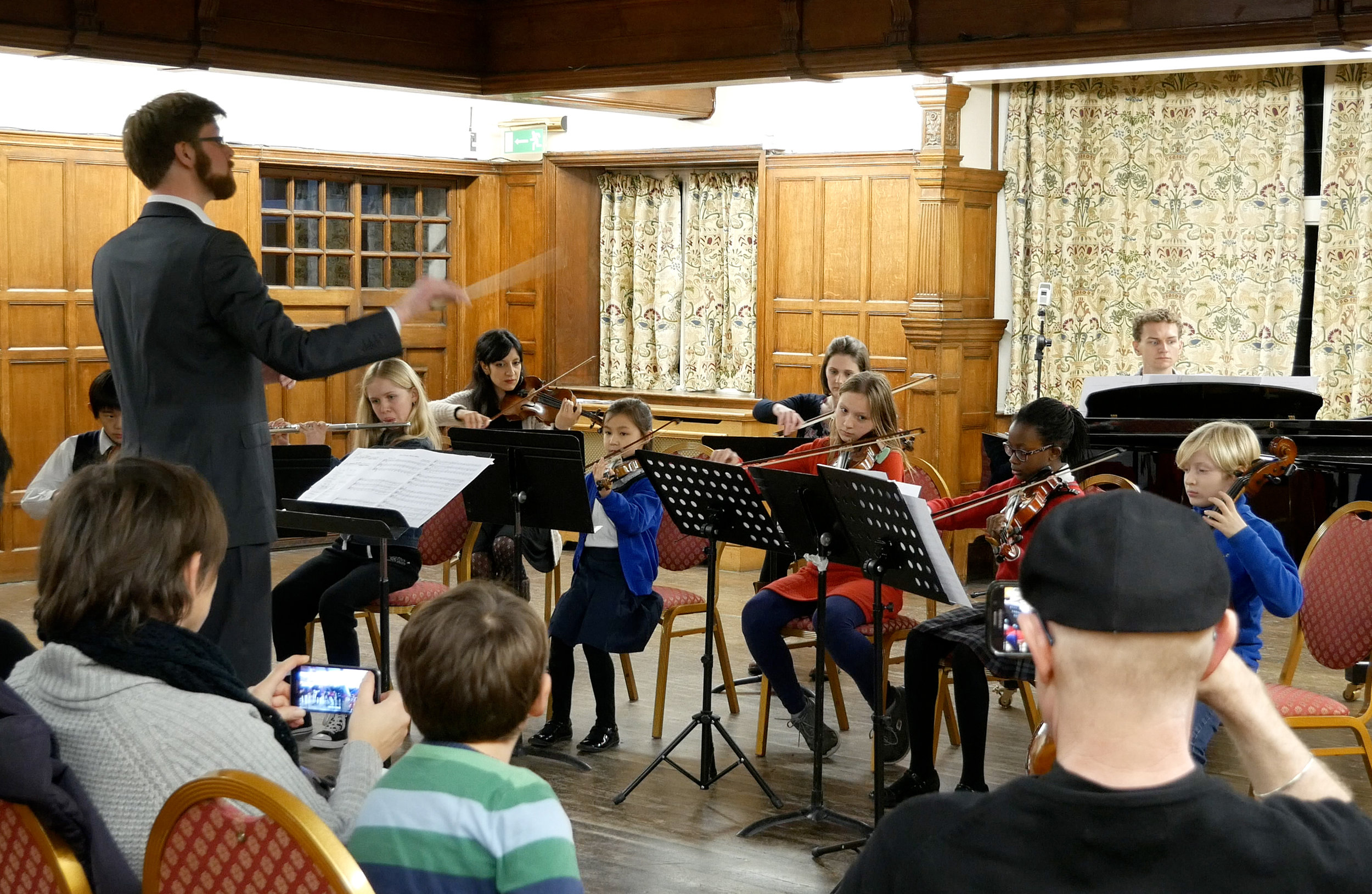 Our junior and youth orchestras range from grade 3 to grade 8+, for ages 7 to 18.  Find out more .