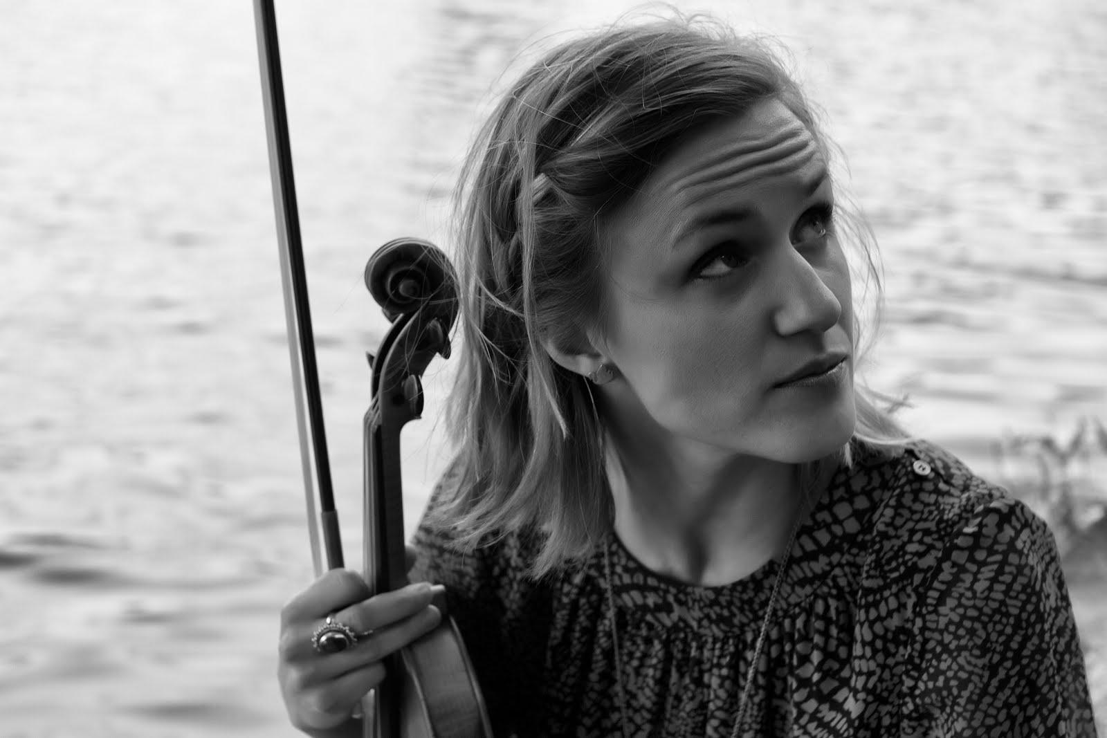 Violinist Naomi Burrell