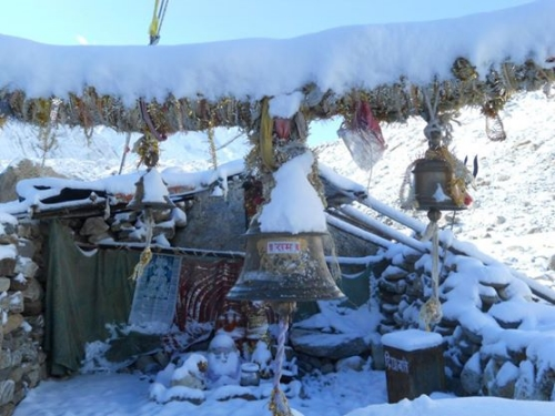 Amazing altar covered in snow at the holiest place of Gomukh – the source of the Ganges river. A 14 km hike – with the last 4km snowing.
