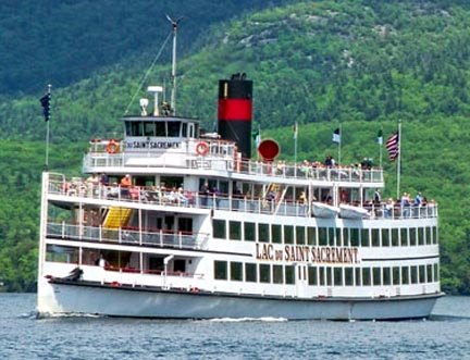 Steam shipon Lake George