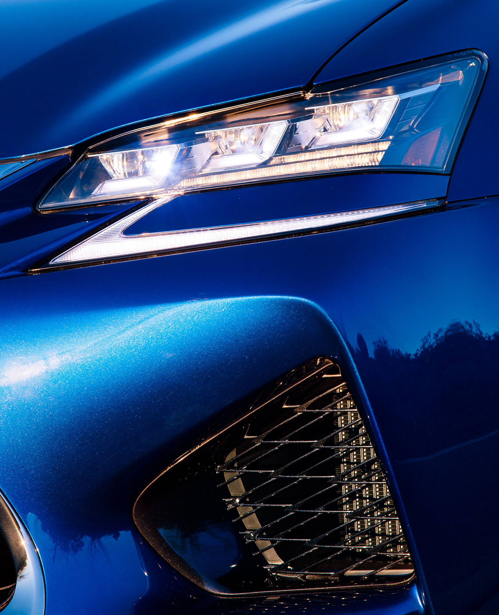 Lexus_Reveal_Details_HeadLamp_070.jpg