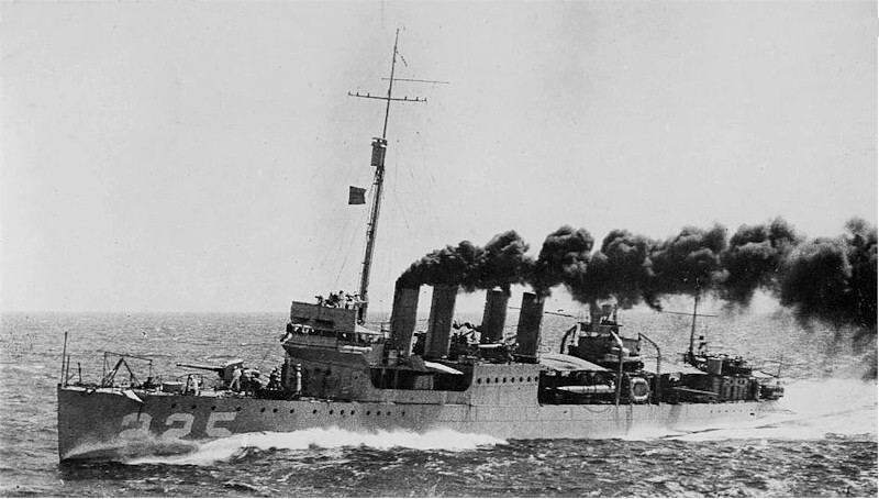 A World War I era 'four stack destroyer'