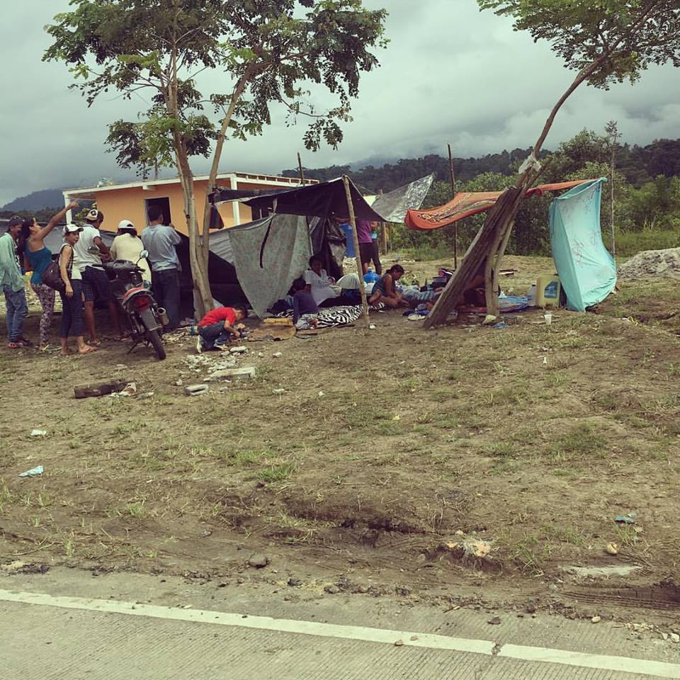 "@leahmariediaz:  ""Most people have set up camp since they no longer have a home to live in. #prayforecuador"""