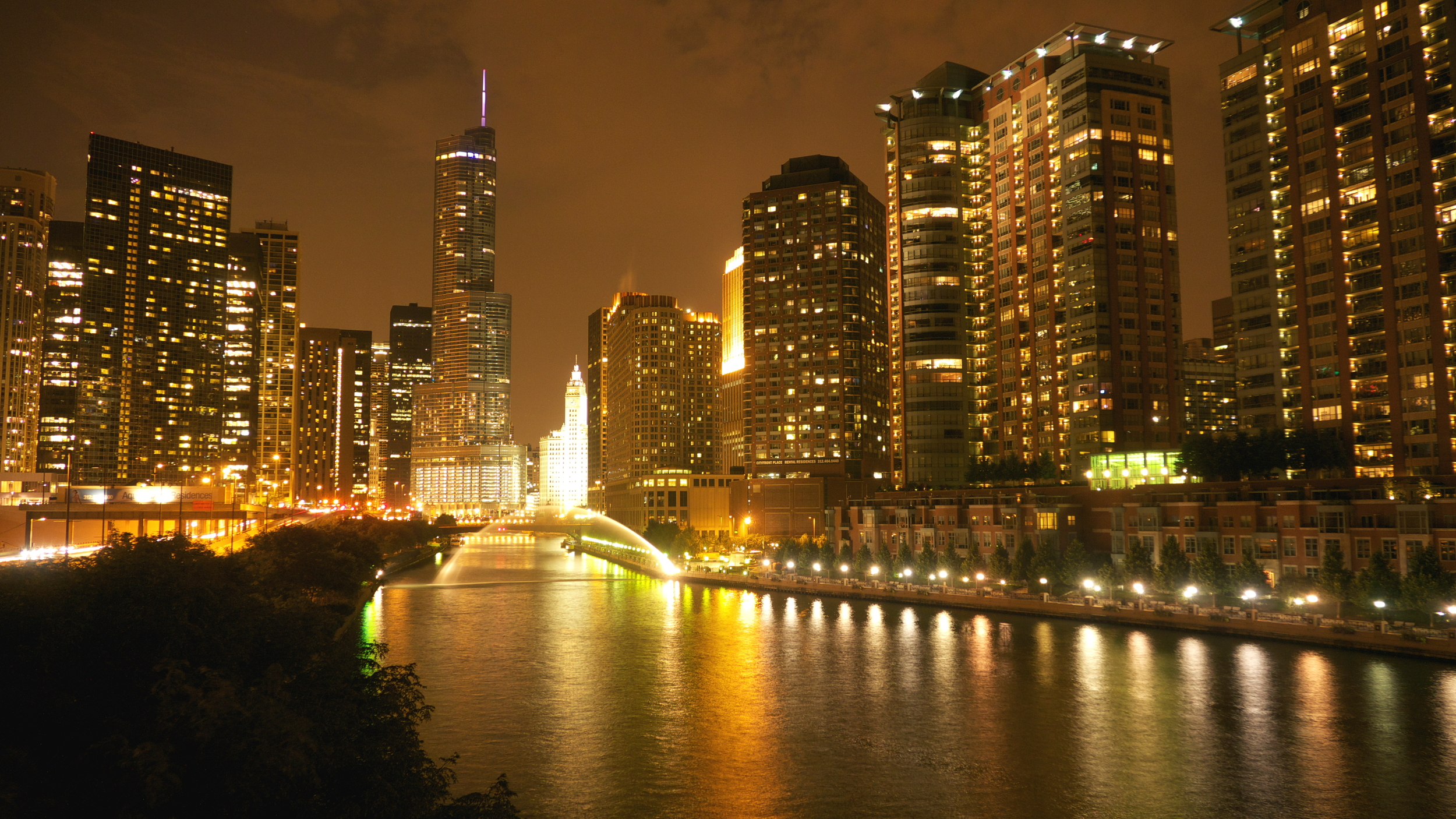 Chicago River NightFinal.JPG