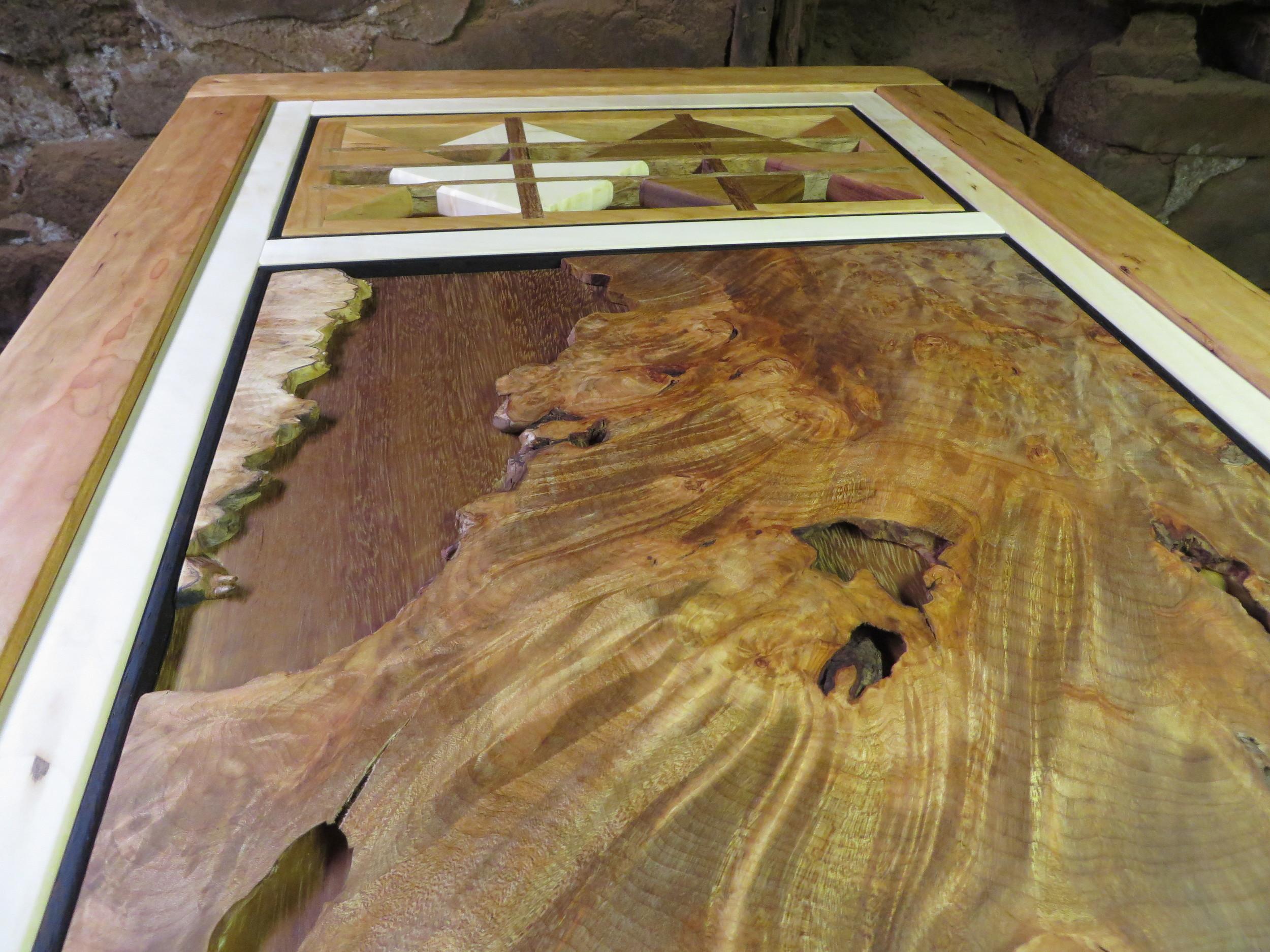 Sculptural/Burl Table (close up)