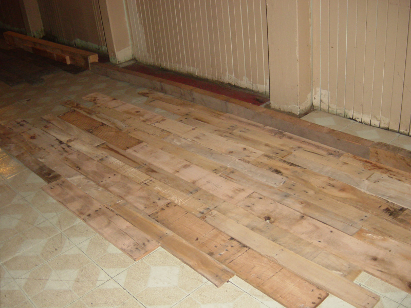Variety of lengths give that old-fashioned look to your wood flooring.