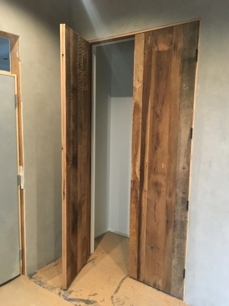 prehung/hinged door