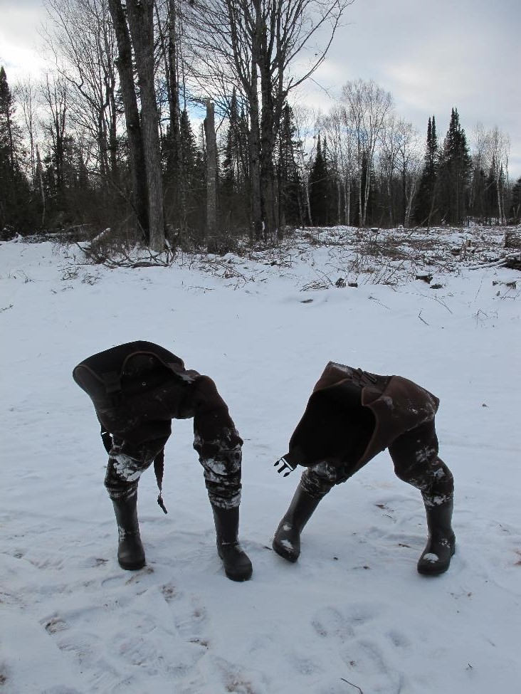 Lucy Rose frozen waders standing up
