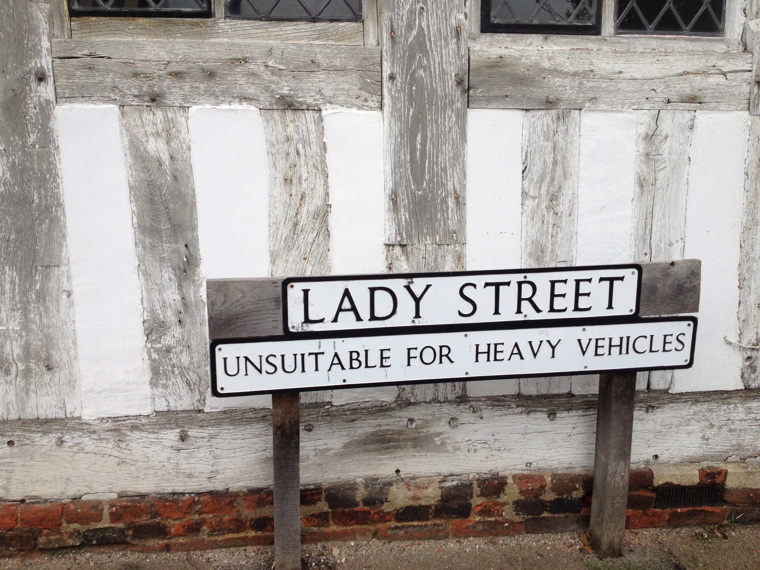 How could Lady Street be anything but unsuitable for heavy viehicles?