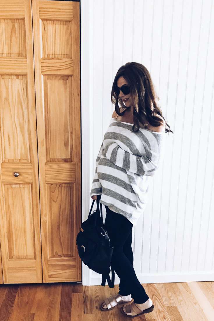 Off-the-shoulder maternity sweatshirt and pregnancy leggings - how to dress when pregnant