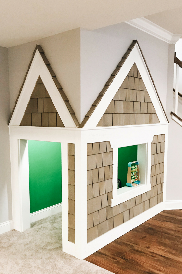 Under The Staircase Playhouse. Play nook for under the stairs. #playhouse #kidsroomdecor