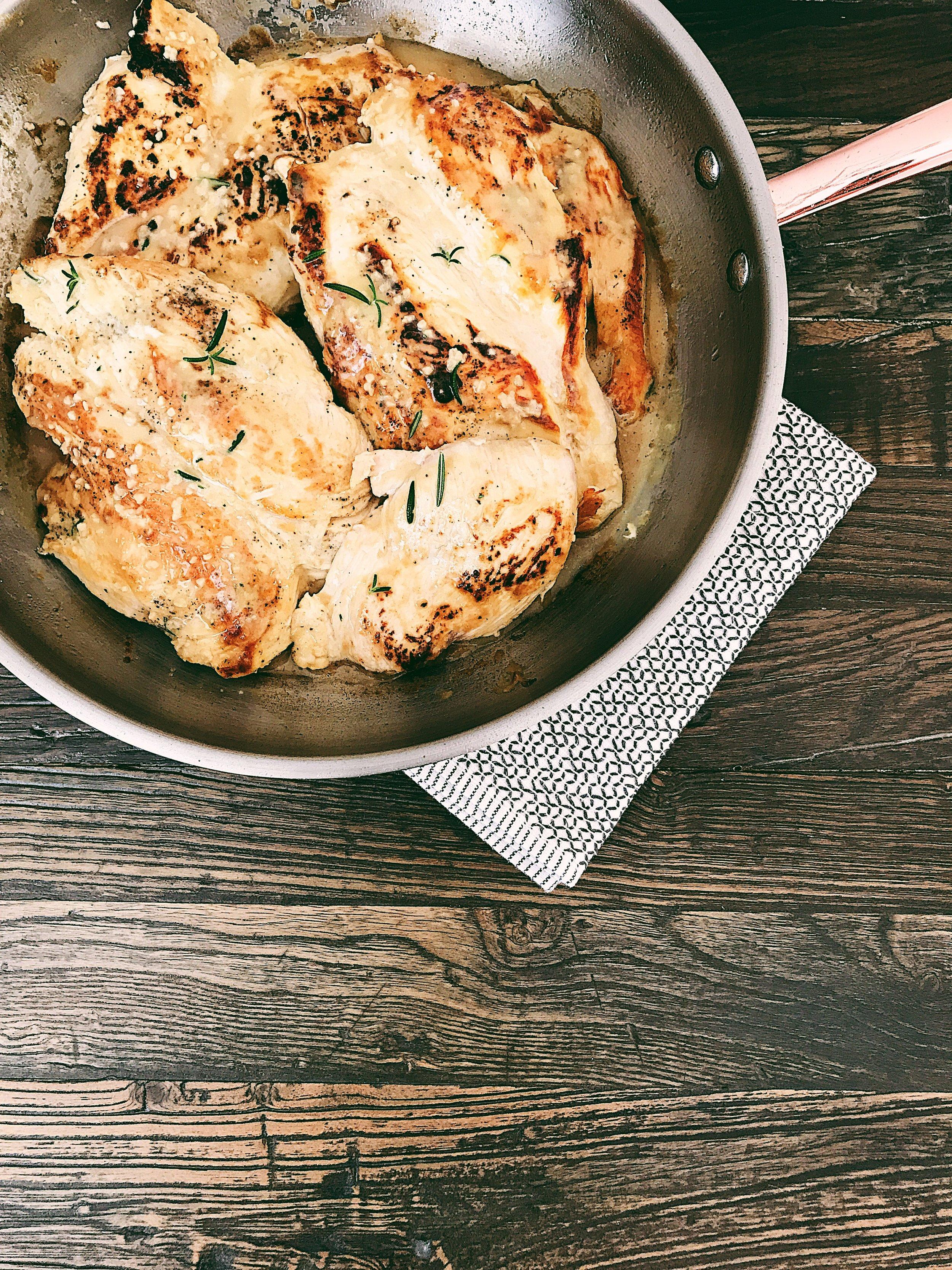Honey Dijon Rosemary Chicken Recipe with Apple Cider Vinegar and Garlic.