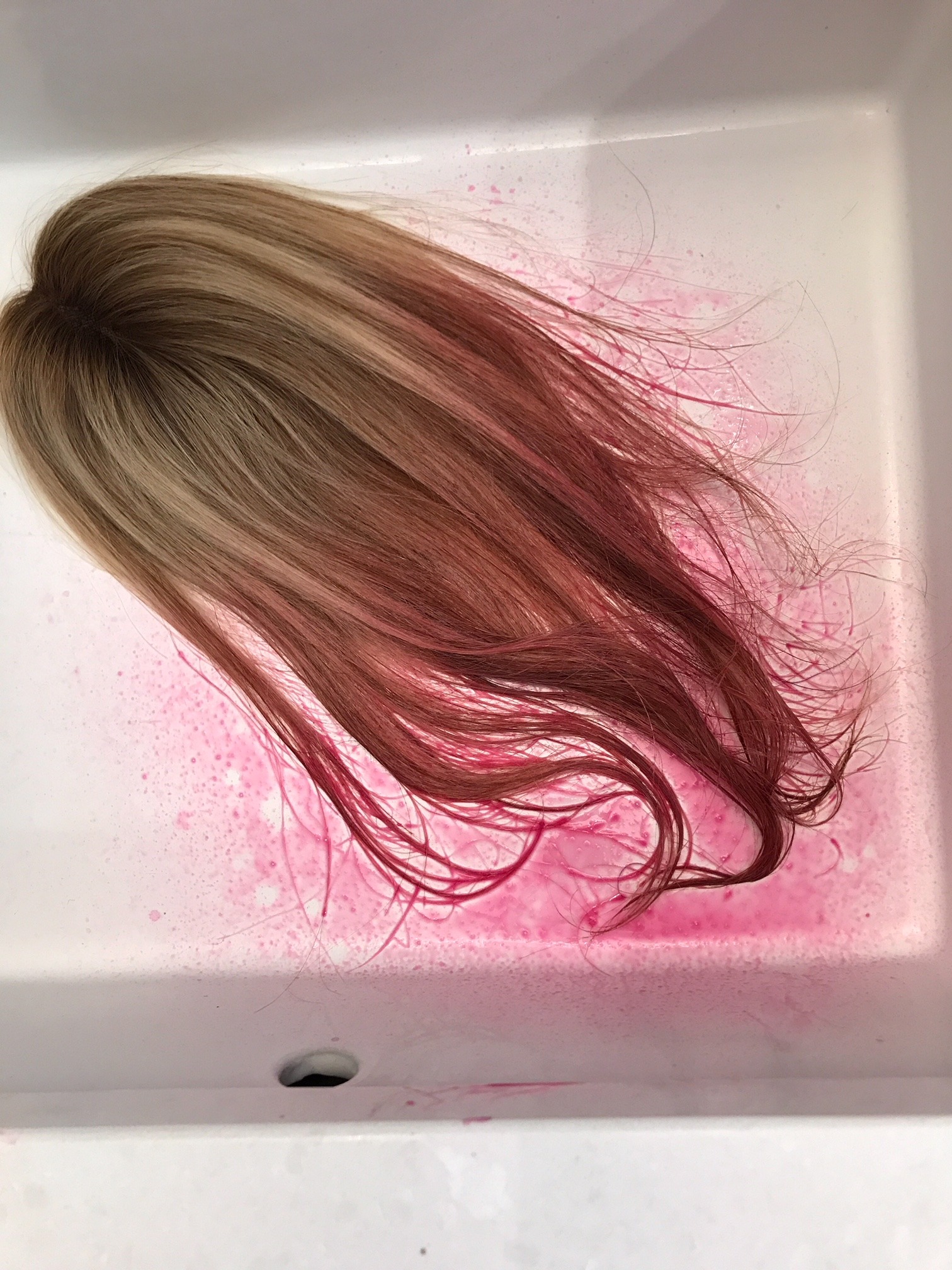 How to color your hair pink. How to use temporary pink liquid hair chalk. #liquid #hair #chalk