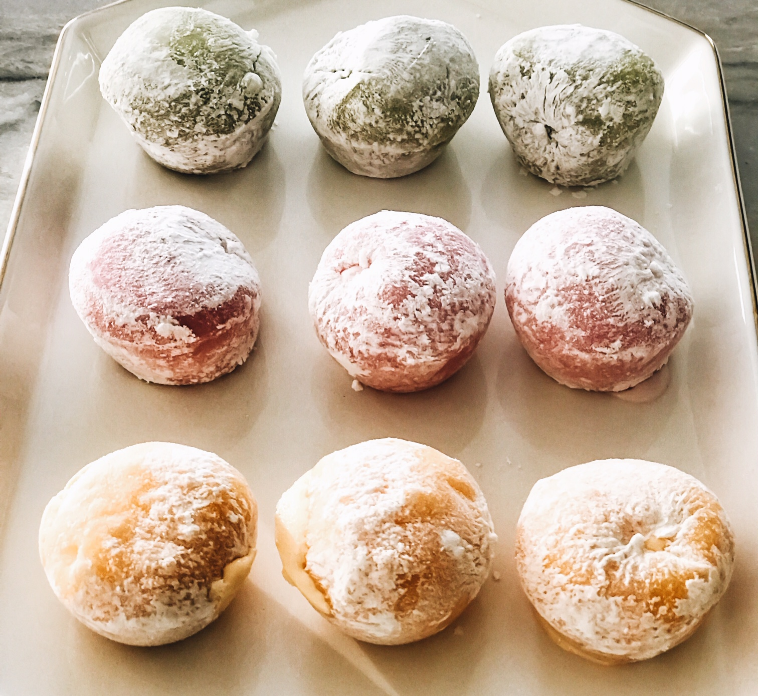 My/Mo Mochi Ice Cream Desserts. Tips For Hosting During The Holidays. How To Create A Memorable Experience For Your Guests At Your Home. ScentSicles instant Christmas Aroma, My/Mo Mochie Ice Cream desserts, Cinzano Prosecco Prosecco Bellini recipe, Fran's Chocolates, Salted caramels. #sponsored #ad #edcrepeatbboxx #holiday #ideas