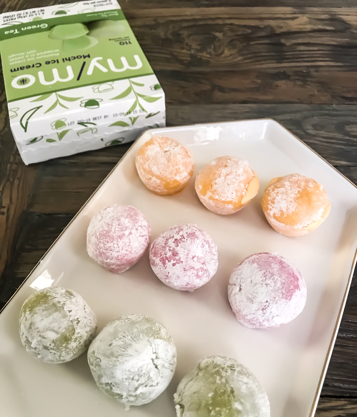 My/Mo Mochi Ice Cream. Tips For Hosting During The Holidays. How To Create A Memorable Experience For Your Guests At Your Home. ScentSicles instant Christmas Aroma, My/Mo Mochie Ice Cream desserts, Cinzano Prosecco Prosecco Bellini recipe, Fran's Chocolates, Salted caramels. #sponsored #ad #edcrepeatbboxx #holiday #ideas