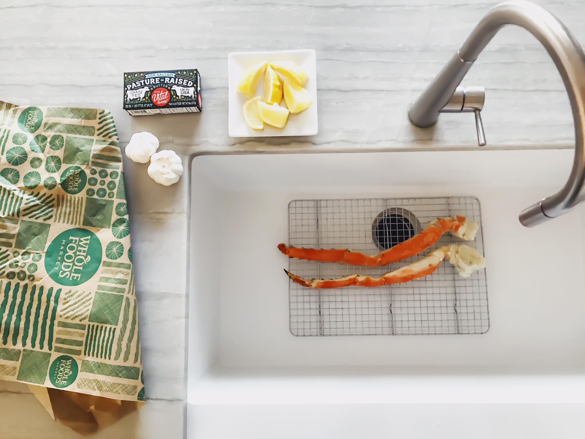 How to prepare King Crab Legs at home. Garlic Butter King Crab Legs. Whole Foods Market Sustainably Caught Seafood. How To Have A Low Key Fancy New Year's Eve At Home With Your Family. New Year's Eve ideas for kids. How to celebrate the new year at home. New Year's Eve With Kids. Shopping at Whole Foods Market For The Holidays. #sponsored #MakesMeWhole #LowKeyNYE #Whole #Foods