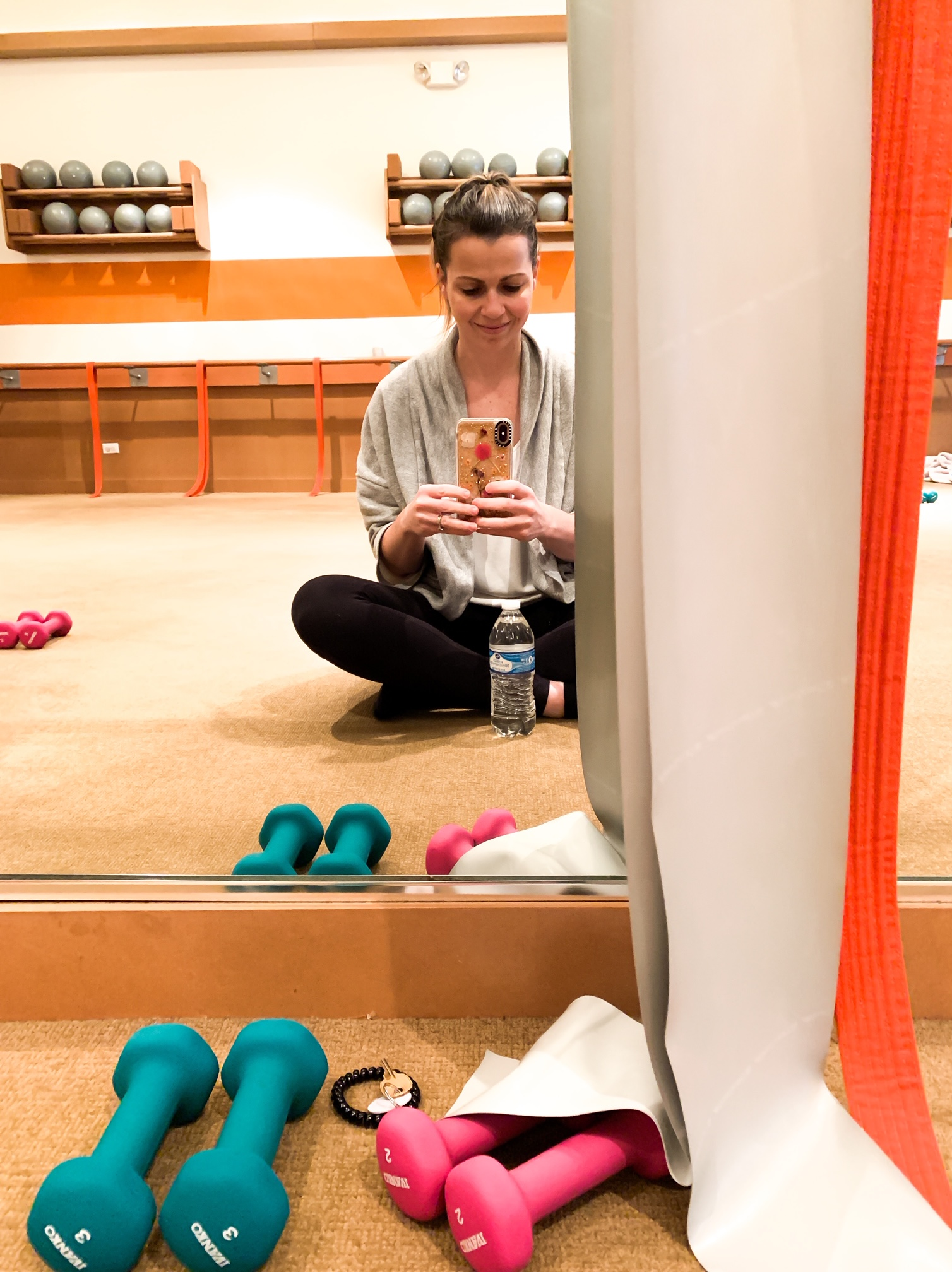 How The Dailey Method In Elmhurst Helped Me To Make Time For Myself. How to make time for yourself when running a busy family. Keeping mom healthy. Barre and cycle classes for busy moms. #sponsored #thedaileymethod #elmhurst