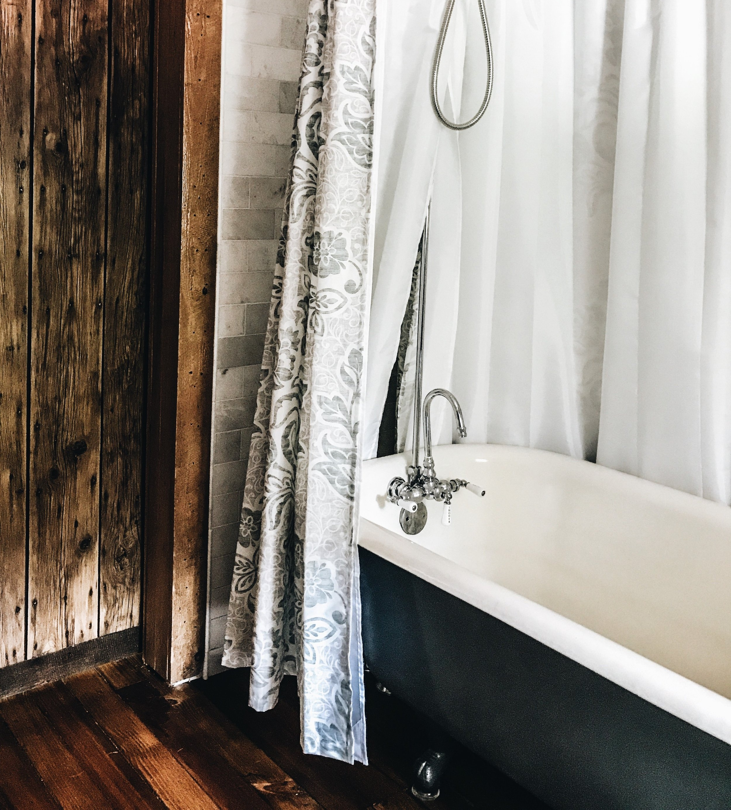 Adorable Freestanding Shower Curtains For Your Tub First Thyme Mom