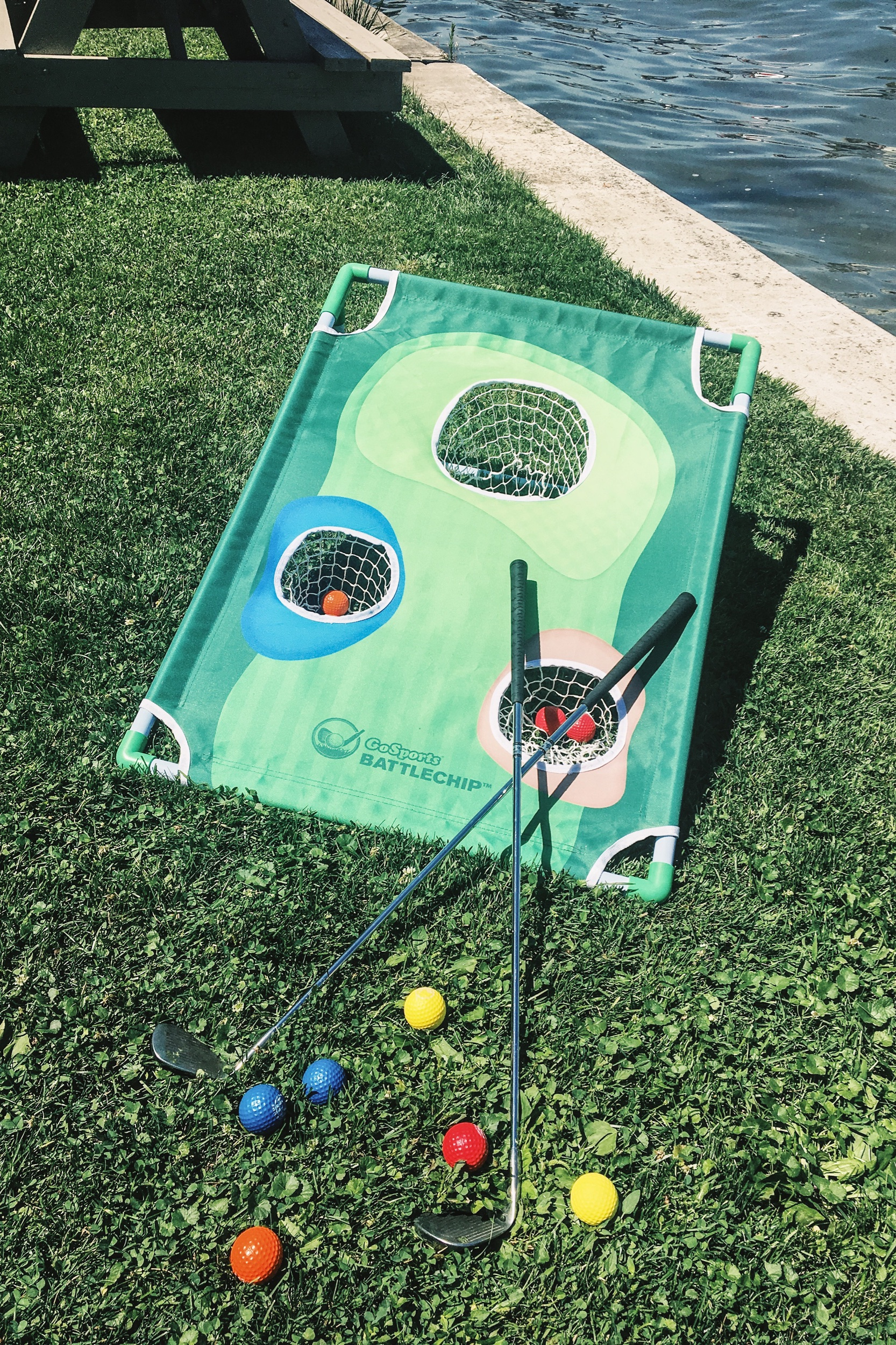 Outdoor game ideas for a party or a picnic. Backyard golf games. Games to play at a lake. #outdoor #golf #game