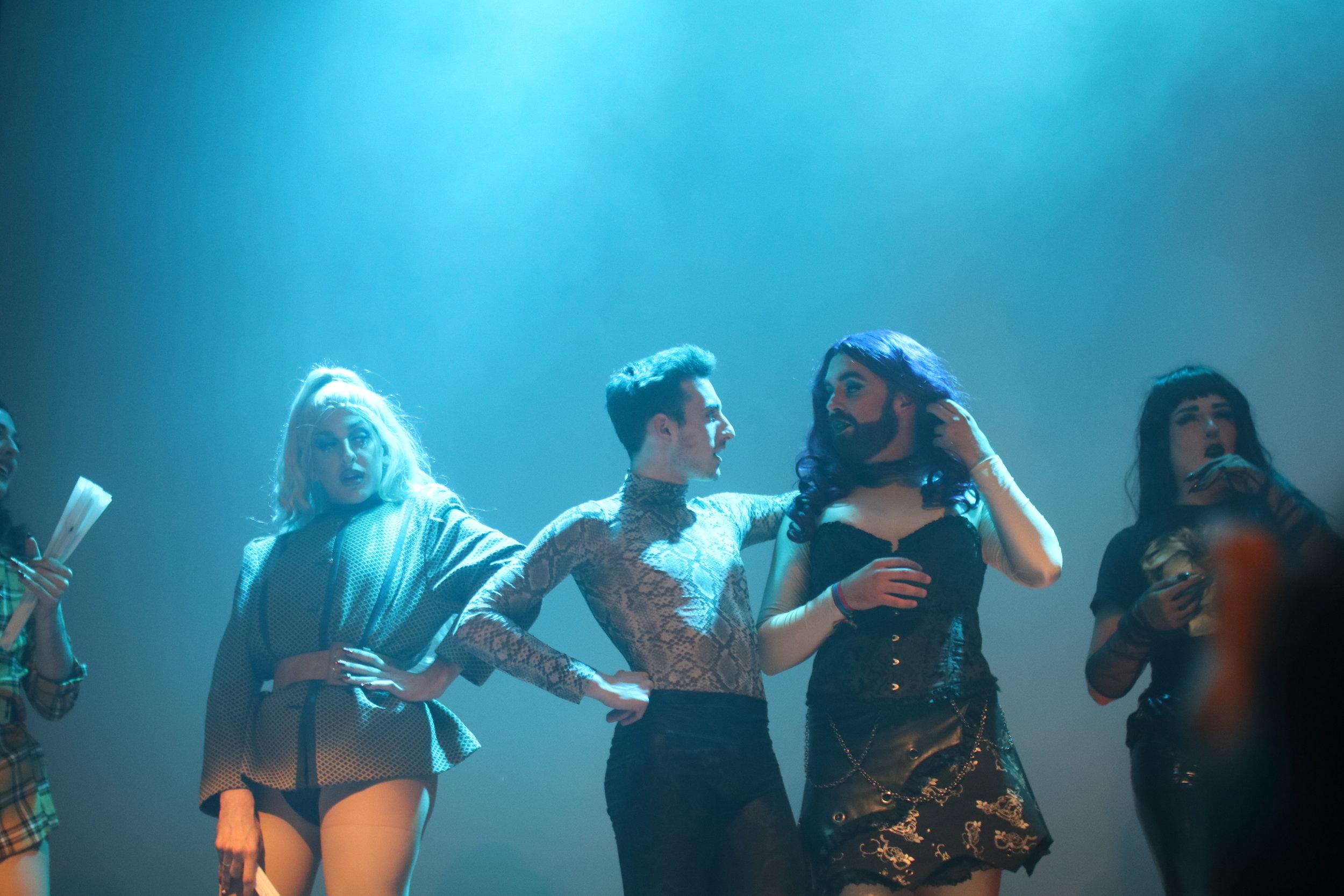 Drag Queens en el espectáculo DIVINES en las Armas (Zaragoza). Foto: Dune Solanot.
