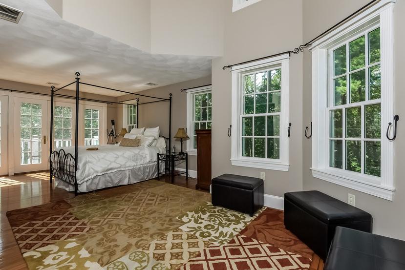 039-Master_Bedroom-1903125-small.jpg