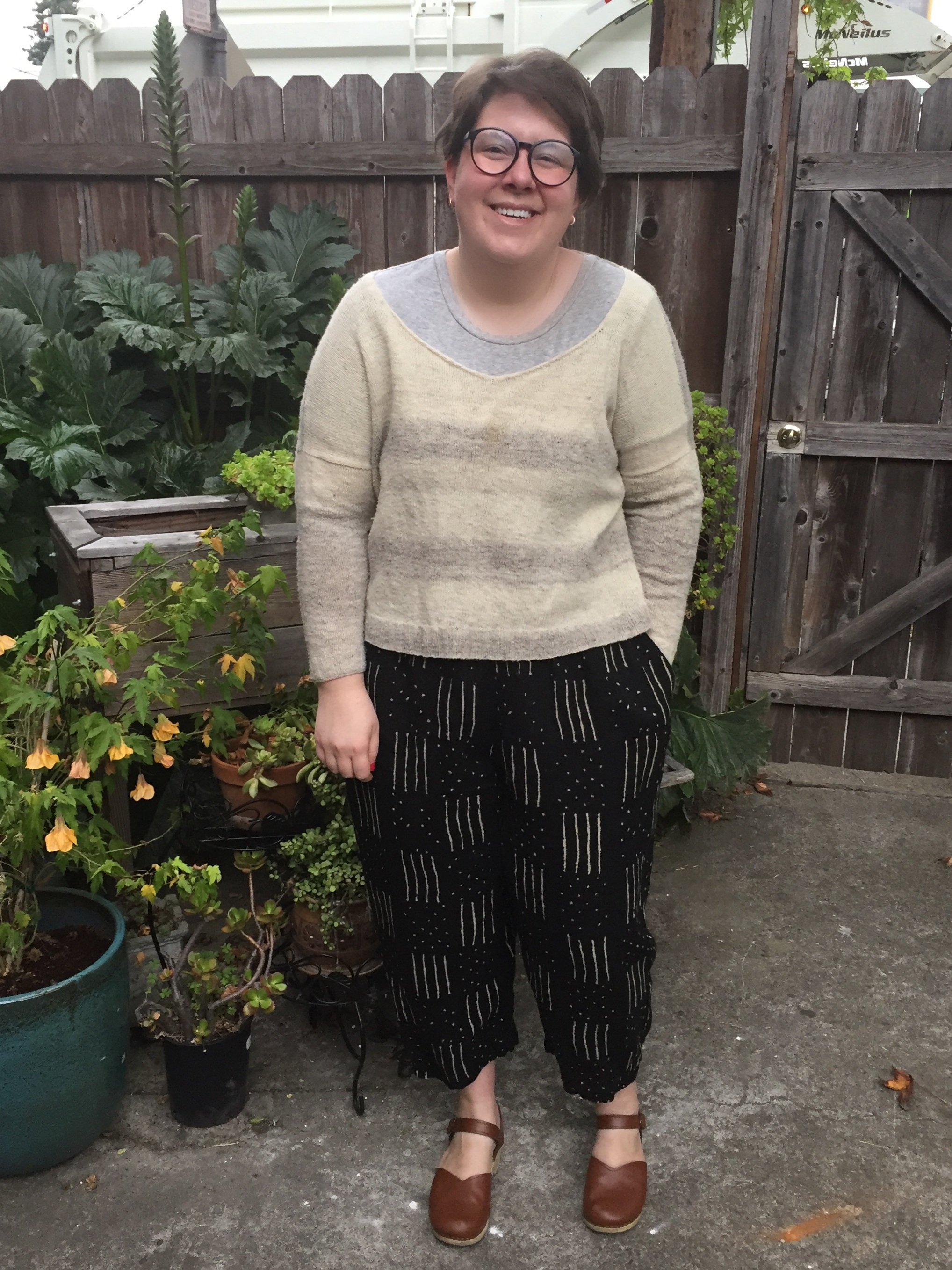 May 13: Freemantle Pants in linen and modified Svelge Pullover in Flock from A Verb for Keeping Warm.