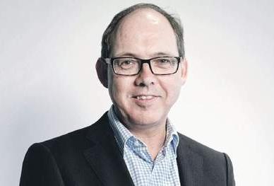 Ab Klink, lid raad van bestuur bij zorgverzekeraar VGZ, hoogleraar 'Zorg, arbeid en politieke sturing' aan de Vrije Universiteit Amsterdam, oud-minister van Volksgezondheid, Welzijn en Sport.