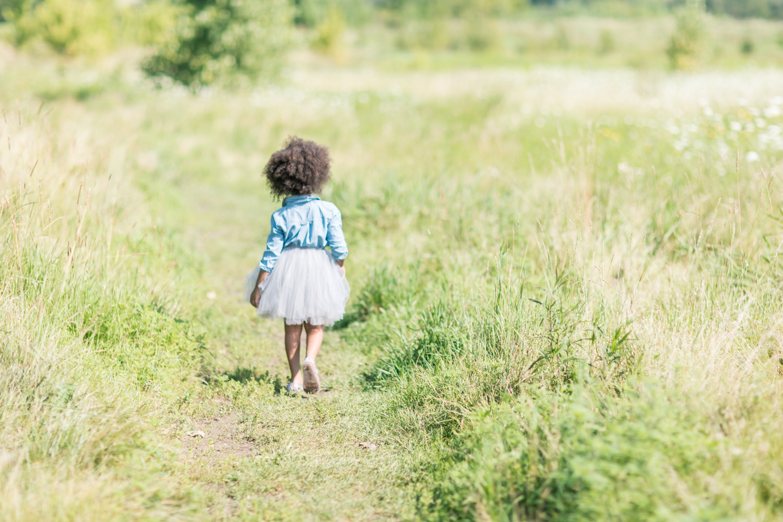 outdoor-childern-portraits-markham.jpg