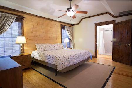 TR Cottage King Bedroom 1.jpeg
